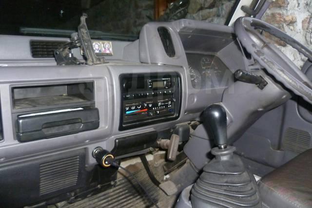 Nissan. Грузовик ниссан, 4 200куб. см., 3 000кг., 4x2