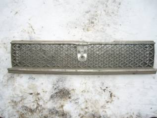 Решотка радиатора Toyota Sprinter, АЕ91