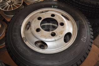 Как новая грузовая Dunlop 215/70R17.5 на дисках!