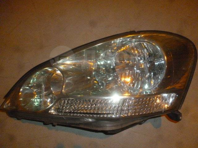 Фара Тойота Avensis Verso 81110-44150