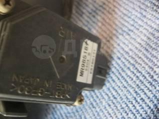 Датчик расхода воздуха Mitsubishi Outlander MR985187 e5t60171