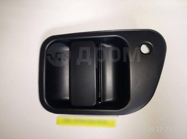 Ручка двери задняя левая Mitsubishi Delica