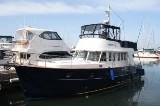 Круизная моторная яхта Beneteau Swift Trawler 42
