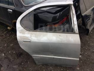 Дверь Toyota Camry, правая задняя SV40