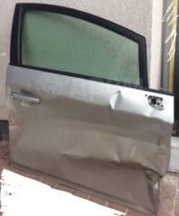 Продам правую переднюю дверь в разбор Prius zvw30