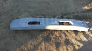 Продам бампер на LAND Cruiser 80