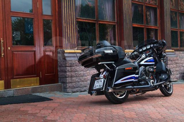 Harley-Davidson Street Glide. 1 690куб. см., исправен, птс, с пробегом