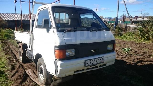 Mazda Bongo. Продам грузовик Мазда Бонго 1993 ,4 ВД , пониженная, нормальное состояни, 2 200куб. см., 1 000кг., 4x4
