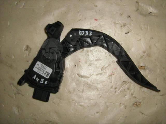 Педаль газа электронная Audi A4 B8 (Педаль газа) [8K1723523]