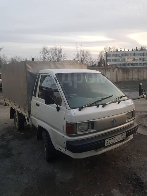 Toyota Town Ace. 2.0 МТ,, 1 000кг., 4x2