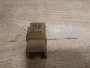 Реле на Nissan 2523079964