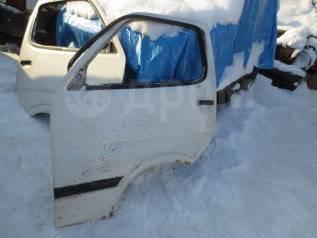 Дверь передняя левая Toyota Hiace