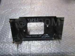 Кронштейн усилителя заднего бампера правый Kia Ceed 2007-2012