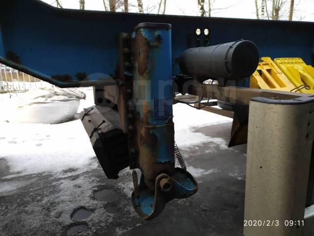 Renders. Полуприцеп контейнеровоз 2004 год раздвижной 20x20, 40, 45 фут, 33 370кг.