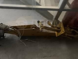 Новая передняя стрела на экскаватор-погрузчик Caterpillar 428