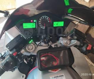 Honda VFR 800F, 2004