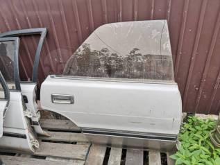 Продам заднюю правую дверь на Toyota Crown GS131