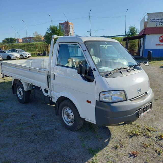 Mazda Bongo. Продаётся грузовик , 1 800куб. см., 900кг., 4x4