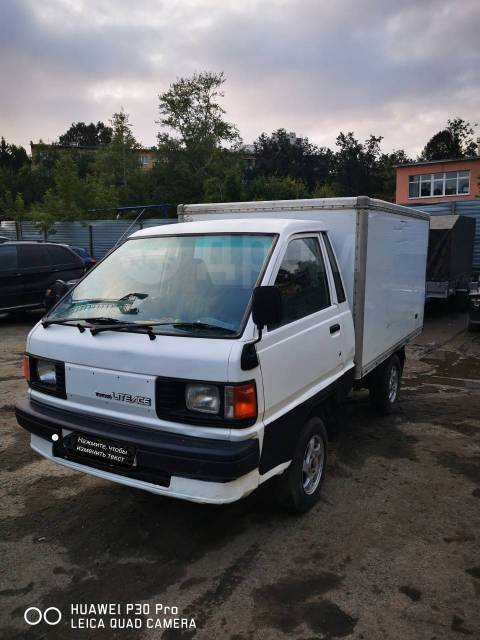 Toyota Lite Ace. Продаётся грузовик , 2 000куб. см., 1 000кг., 4x2
