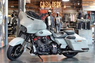 Harley-Davidson CVO Street Glide FLHXSE, 2021