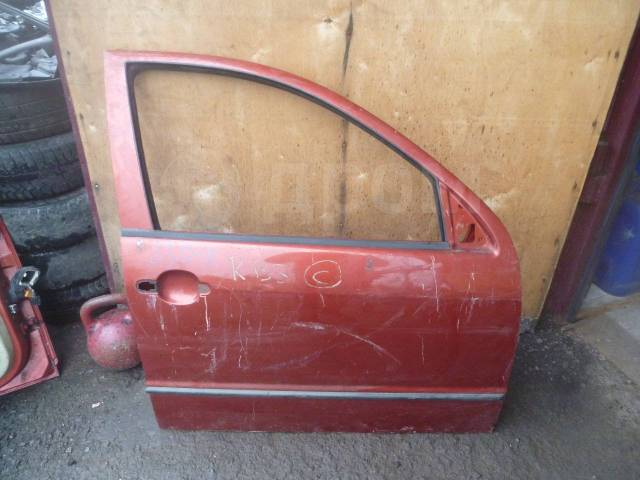 Дверь передняя правая Skoda Fabia 1999-2007 6Y0831052