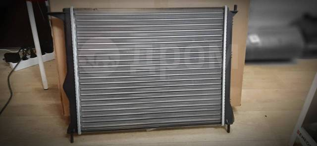 Радиатор renault duster/ logan/ sandero/ LADA larg