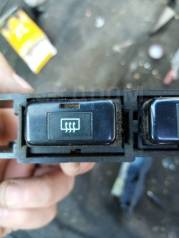 Кнопка обогрева заднего стекла