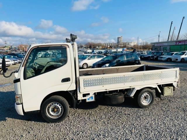 Toyota Dyna. Продаётся грузовик , 2 494куб. см., 1 750кг., 4x4