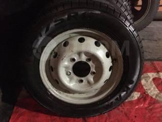 Комплект зимних колес на Ниву R16