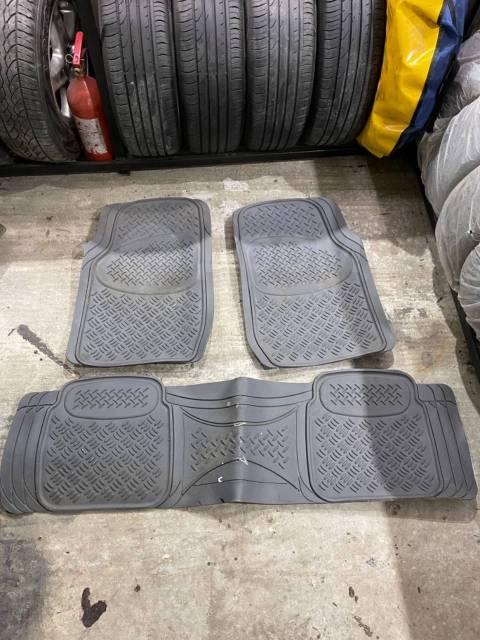 Резиновые коврики в салон Hammer H2