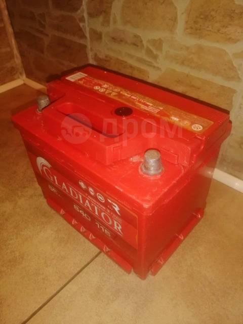 Продаю б/у аккумулятор< Gladiator >65А. ч увеличенный пусковой ток 640А