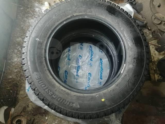 Bridgestone LC7000. зимние, шипованные, б/у, износ до 5%