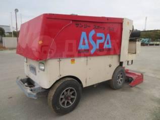 Машина для заливки и выравнивания льда на катках