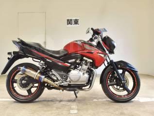 Suzuki GSR 250 Inazuma