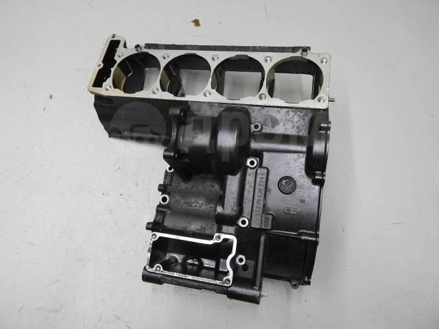 Верхняя часть картера Kawasaki ZZR1100 2 (ZXT10CE)
