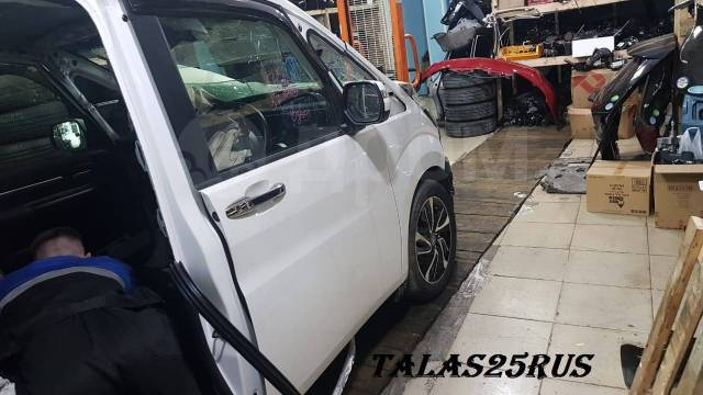 Дверь передняя правая Honda Stepwgn Spada 2016г