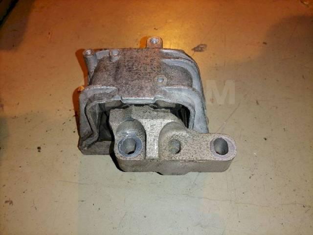 Опора двигателя (подушка двс) Volkswagen Passat, правая передняя 1K0199262M