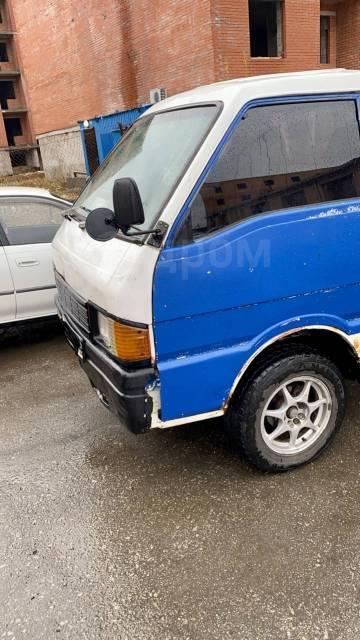 Mazda Bongo, 1988 - Бортовые грузовики в Хабаровске