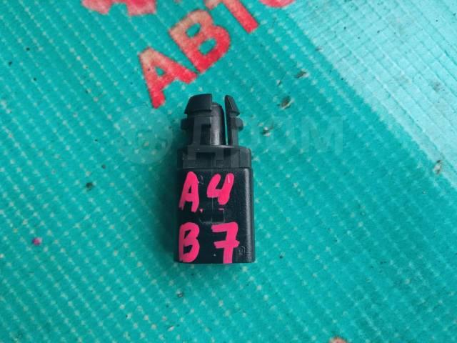 Датчик температуры воздуха Audi A4, B7 8Z0820535