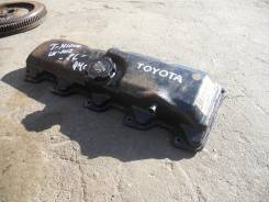 Крышка головки блока цилиндров  - Toyota Hiace )