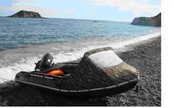 ПВХ лодку с жестким алюминиевым полом и мощным мотором