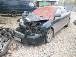 Toyota Avensis. AZT250