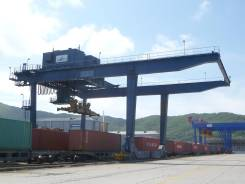 Причальные и железнодорожные контейнерные перегружатели