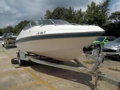 Лодка пластиковая с каюткой и прицепом