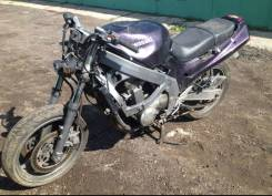 Продам Kawasaki zzr 400-1модель по запчастям