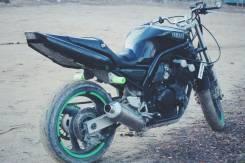 Yamaha FZ 400, 2005