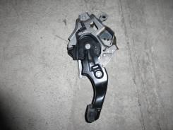 Педаль ручника на Lexus RX300