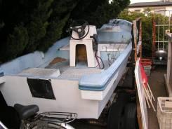 Продается рыбацкая пластиковая лодка