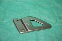 Декор накладка кронштейна подножки Suzuki