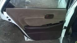Обшивка двери ( комплект) Toyota Cresta, LX80, 2LT